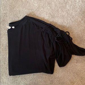 Black cinch sleeve top. GAP